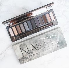 Urban Decay Naked Smoky Palette Review #bbloggers #makeup #makeupreview