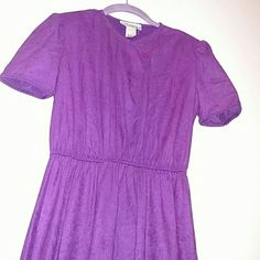 """GIFTED Vintage USA-Made Purple Dress """"Tracy!"""" EXCELLENT condition vintage dress by """"Tracy!"""" Labeled size 5 (but a 5 50 years ago might not be a 5 today) Made in USA by ILGWU Int. Ladies' Garment Workers Union in the 60s/70s Not sure what the material is but it feels like a soft suede. I'm 5'7"""" & it comes down about mid-calf Tracy! Dresses Midi"""