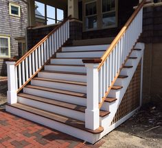 65 Trendy outdoor stairs ideas railings porch steps in 2020 Outside Stairs, Front Porch Railings, Front Stairs, Front Porch Design, Outdoor Stairs, Front Stoop, Veranda Design, Farmhouse Front Porches, Stairs Architecture