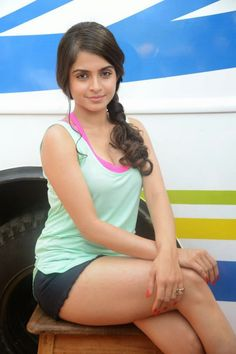 Sheena Shahabadi New Stills - Actress Sheena Shahabadi Beautiful Pics - Sheena Shahabadi Latest Photos - Sheena Shahabadi New Pictures @Tollywood.ind.in
