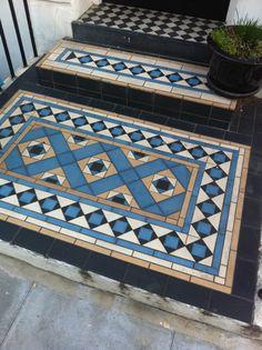 Victorian tiles in Primrose Hill, London Victorian Hallway, Victorian Porch, Victorian Tiles, Victorian Buildings, Victorian Flooring, Hall Tiles, Tiled Hallway, Door Steps, Front Steps