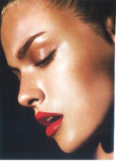 Dewy, Bronzed Skin... http://vinette.avonrepresentative.com/