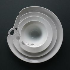 Imperfect Plate Spin Ceramics, Spin Shanghai, Contemporary Chinese Ceramics, modern Porcelain – PINCOLLECTIVE
