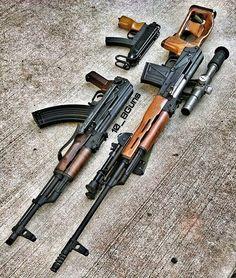 """8,173 次赞、 41 条评论 - Gun Freaks (@gunfreaks) 在 Instagram 发布:""""Name them!   @10_8guns   Follow @ReadyGunner - ReadyGunner.com - #DailyBadass #GunFreaks #Gun…"""""""