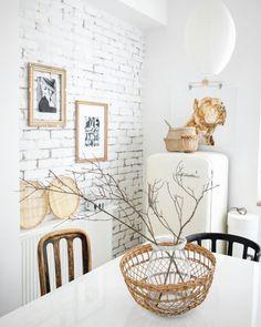 #diningroom #whitehome #oldiart