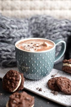 Cocoa Recipes, Hot Chocolate Recipes, Coffee Recipes, Hot Chocolate Mug, Thm Recipes, Coffee And Books, Coffee Love, Kakao, C'est Bon