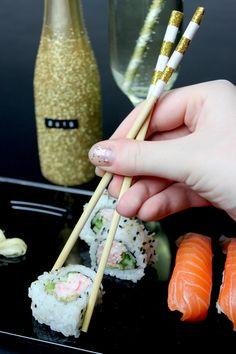 Sushi DIY: http://www.blog.bog-ide.dk/nytaars-laekkerier/