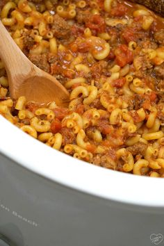 Here's an easy crockpot hamburger helper recipe you've got to try!! Super simple to make and one of the best crockpot dinners ever. via @thetypicalmom