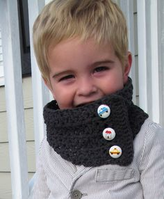 Toddler Scarflet Link to FREE pdf pattern. Both boy and girl version. #knitting #crochet #winter #autumn #scarf #diy
