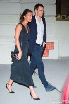 Michael ed Alicia escono da un ristorante di Tribeca N.Y.