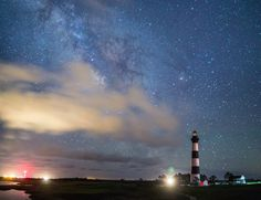 bodie_island_lighthouse_and_milky_way_by_uscty-d6cx92v.jpg (1600×1228)