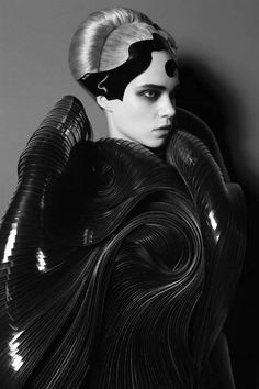 Fashion as Art - sculptural dress with engulfing, swirling contours & complex layers; 3D-printed fashion design // Iris van Herpen