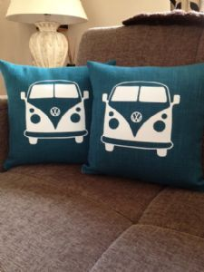 Create your own creative pillow cases with your creative idea. : Create your own creative pillow cases with your creative idea. Volkswagen Bus, Vw Camper, Bully Vw, Combi Ww, Sewing Crafts, Sewing Projects, Large Cushions, Printed Cushions, Cushion Covers