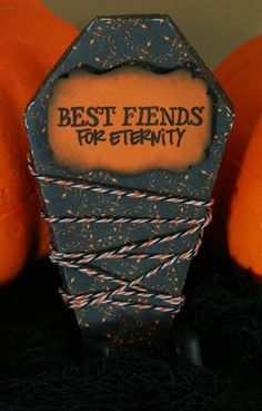 Cricut Life's a Party Spooky Halloween Treat Coffin Halloween Coffin, Halloween Night, Holidays Halloween, Spooky Halloween, Halloween Treats, Halloween Party, Halloween Decorations, Cricut Halloween Cards, Halloween Scrapbook