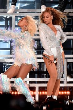 LOL: Beyoncé and Solange Fell on Stage at Coachella — and the Internet Had a Field Day