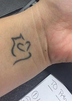 100 Cat Tattoo Designs For Cat Lovers - Feather Your Nest - - Tattoo-Ideen - Katzen Mini Tattoos, Cat Paw Tattoos, Trendy Tattoos, Body Art Tattoos, Small Tattoos, Tattoos For Women, Cool Tattoos, Tatoos, Awesome Tattoos