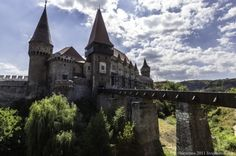 Hunedoara -Castle in Romania Order Of The Dragon, Future Travel, Eastern Europe, Dracula, Summer 2014, Romania, Christianity, Travel Destinations, Mansions