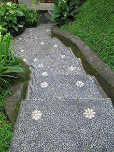 pathway/stair idea. pebbles set into concrete. via paradis express.