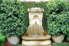 fountain, creeping fig - LOVE this!