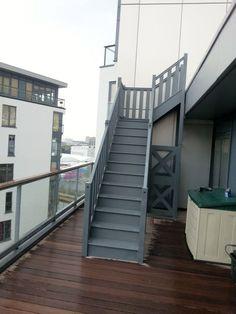 (Temporary) outdoor staircase