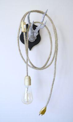 lampe BALADEUSE version or  en tricotin et tissu doré mat, luminaire, éclairage, portable lamp de la boutique ATELIERDELACHOISILLE sur Etsy