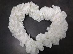 Centro tavola sposi con fiori di carta pesta