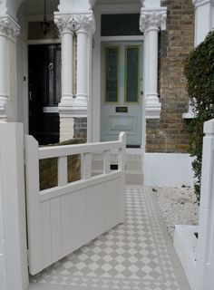 Classic Victorian Front Garden Design Battersea Clapham Balham London Contact anewgarden for more information Victorian Front Garden, Victorian Terrace, Victorian Homes, Front Path, Front Door Steps, Front Fence, Front Doors, House With Porch, House Front