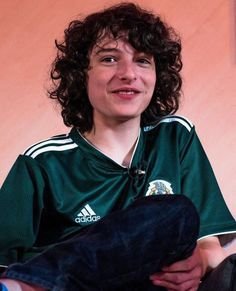 Finn tiene la camisa oficial del equipo de fútbol de México