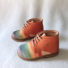 Mingus Magic Rainbow Shoes by Nathalie Verlinden - Handmade in Italy of naturally tanned leather that's also polished and hand-painted. Cute Baby Shoes, Baby Boy Shoes, Girls Shoes, Little Girl Fashion, Boy Fashion, Toddler Fashion, Rainbow Shoes, Childrens Shoes, Kid Styles