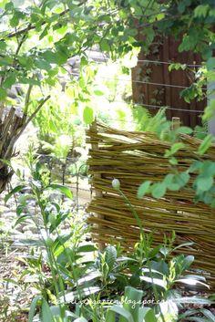 Rasenkantensteine Leicht Und Einfach Verlegen / Pflanzbeete ... Gaertnern Strohballen Vorteile Unkrautfrei