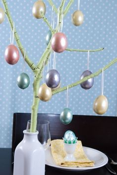 ~DIY: Easter Tree Centerpiece~ This tree makes a perfect display for your pretty Easter eggs, and a gorgeous centerpiece for an Easter dinner. Easter Peeps, Easter Tree, Hoppy Easter, Easter Crafts, Holiday Crafts, Easter Decor, Tree Centerpieces, Easter Centerpiece, Easter Celebration