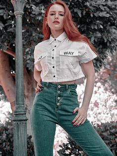Cheryl Blossom Riverdale, Riverdale Cheryl, Riverdale Cast, Madelaine Petsch, Gorgeous Redhead, Gorgeous Women, Beautiful, Riverdale Poster, Cole Sprouse Aesthetic