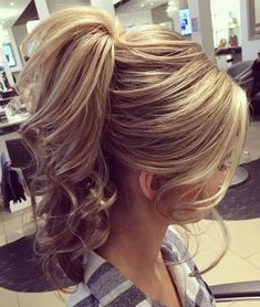 Love this loose pony - Hairstyles For All Loose Hairstyles, Ponytail Hairstyles, Bride Hairstyles, Long Hair Ponytail, Sleek Ponytail, Bridesmaid Hair, Prom Hair, Medium Hair Styles, Long Hair Styles
