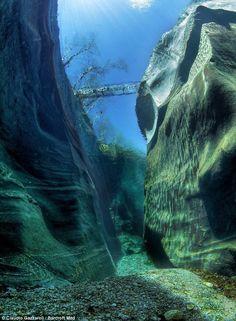神秘的!不思議!思わず目を疑う世界の「川の絶景」まとめ - Find Travel