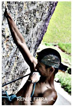 Harau Valley ,Indonesia ,West Sumatera ,Rout : Liang limbek 5.13c  -------------------- Rendi Fitra Akbar--------------- Picture by : Fajri Sendia .P.