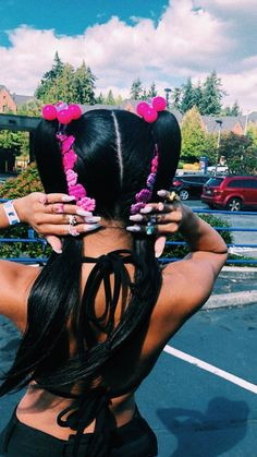 a fucking look 😍 Black Girls Hairstyles, Pretty Hairstyles, Wig Hairstyles, 2000s Hairstyles, Simple Hairstyles, Protective Hairstyles, Beer For Hair, Icy Girl, Natural Braided Hairstyles