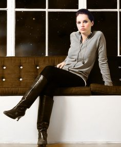 Black Knee Length Boots, Black Boots Outfit, J Shoes, Shoe Boots, Jones Boots, Felicity Jones, Equestrian Boots, High Boots, Tall Boots
