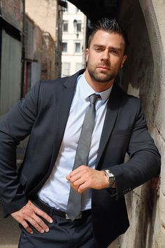Dapper Gentleman, Dapper Men, Sharp Dressed Man, Well Dressed Men, Mens Fashion Suits, Mens Suits, Swag Fashion, Men's Business Outfits, Costume Sexy