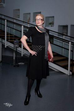 Paola Dress Lace&Rose Fashion Show in Riihimäki Art Museum Photo: Valokuvaamo Lilja Model: Tuija
