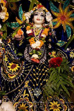 Radha Krishna Photo, Krishna Photos, Radhe Krishna, Lord Krishna, Radha Krishna Wallpaper, Radha Rani, Hare, Painting, Nepal
