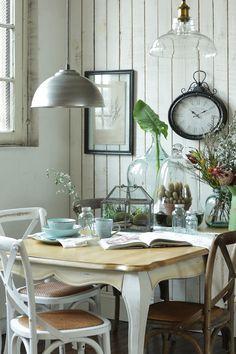 Descubre la colección #Botánica de #DecoBazar, inspirada en las #antiguas #boticas. #Decoración #Blanco #Vidrio #Comedor #Plantas Table Settings, Dining Table, Inspiration, Furniture, Home Decor, Google, Blog, Image, Diner Decor