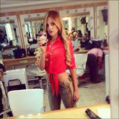 Quién.com : Eiza Gonzalez `Amores Verdaderos´ Perfect look!