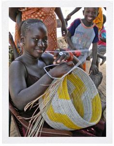 A Senegalese craftswomen weaving a basket for Swahili Modern. African Culture, African History, African Imports, Contemporary Baskets, Afrique Art, Basket Weaving, Woven Baskets, Horn Of Africa, Art Africain