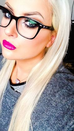 Rote Lippenfarbe Go-To Spring Look Cute Glasses, New Glasses, Girls With Glasses, Glasses Style, Glasses Online, Spring Look, Eye Makeup, Hair Makeup, Womens Glasses Frames