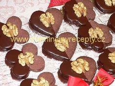 Čokoládová poleva Christmas Sweets, Christmas Baking, Christmas Cookies, Cake Cookies, Sugar Cookies, Cupcakes, Beignets, Chocolate Fondue, Cookie Recipes
