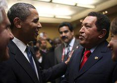 Уго Чавес (справа) и президент США Барак Обама на открытии саммита Сообщества стран Латинской Америки и Карибского бассейна в Тринидаде и Тобаго. 17 апреля 2009 года