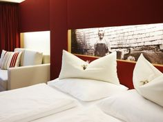 The Sonne Lifestyle Resort in Mellau in the Bregenzerwald skilfully combines tradition and modernity. Hotel Austria, Design Hotel, Lifestyle, Modern, Bed Pillows, Pillow Cases, Sun, Pillows, Trendy Tree