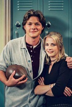 Fantasia de Halloween: Sabrina e Harvey de 'Sabrina, a aprendiz de feiticeira'