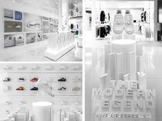 Nike air pop-up @ 900 s wabash retail. Shoe Store Design, Retail Store Design, Retail Shop, Retail Displays, Shop Displays, Merchandising Displays, Window Displays, Shop Interiors, Office Interiors