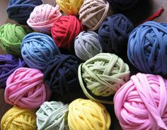 how to make t-shirt yarn.... Actually this post is for dying it but she links the post on how to make it too.